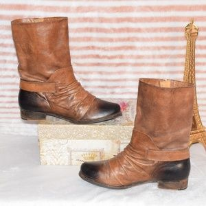 VINCE CAMUTO Ombre Leather Slouch Calf Booties 8.5